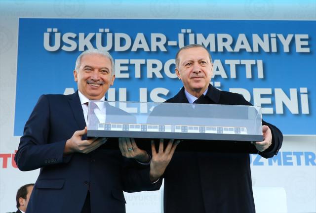 Cumhurbaşkanı görevden alınan Ataşehir Belediye Başkanı'yla ilgili açıklama .