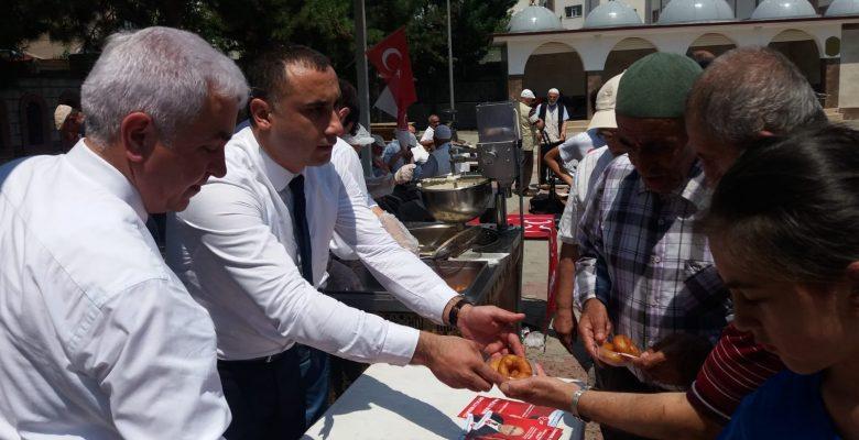 Ataşehirde; Mhp Milletvekili Adayı M.Fatih Özdemir ve Hakan Arıkaya  Biz büyük bir Milletiz dedi..