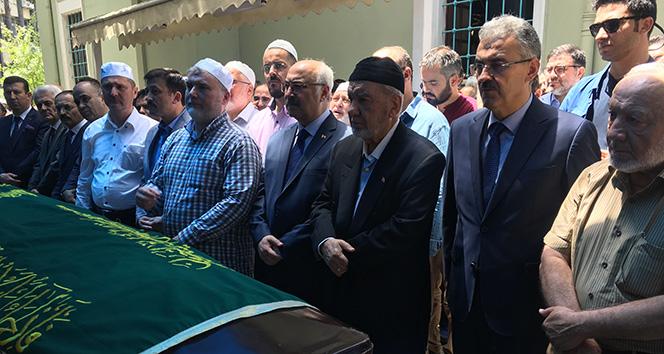 Cumhurbaşkanı Erdoğan'ın yakın arkadaşı Hamdi Boyacı toprağa verildi.