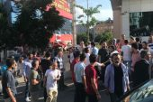 Ataşehir 'de HDP'liler broşür almayan ,AK Parti'li gençlere saldırdı!