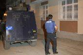 Adana'da terör örgütü propagandası yapan zanlılar yakalandı.