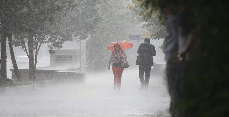 Meteorolojiden 11 il için sağanak ve fırtına uyarısı.