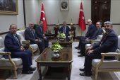 Cumhurbaşkanı Yardımcısı Oktay TESKOMB başkanı Abdülkadir Akgül'ü kabul etti.