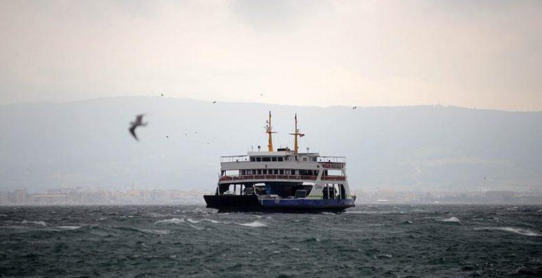 Kuzey Ege'de deniz ulaşımına fırtına engeli.