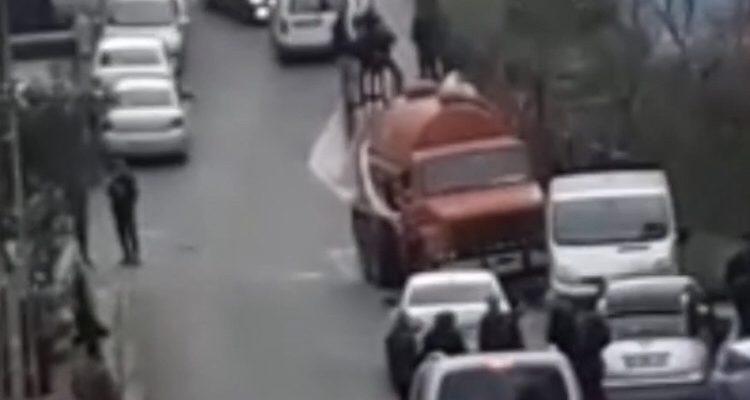 Ataşehir hücre evinde bir terörist öldürüldü.