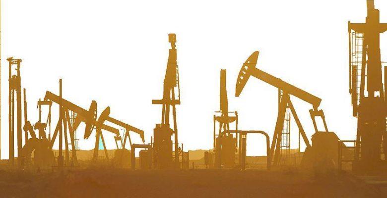 Brent petrol 53,83 dolardan işlem görüyor.