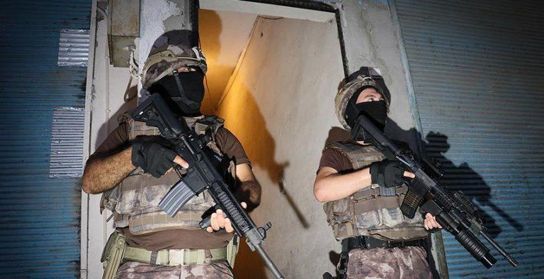İstanbul'da 15 adrese eş zamanlı DEAŞ operasyonu: 12 gözaltı.