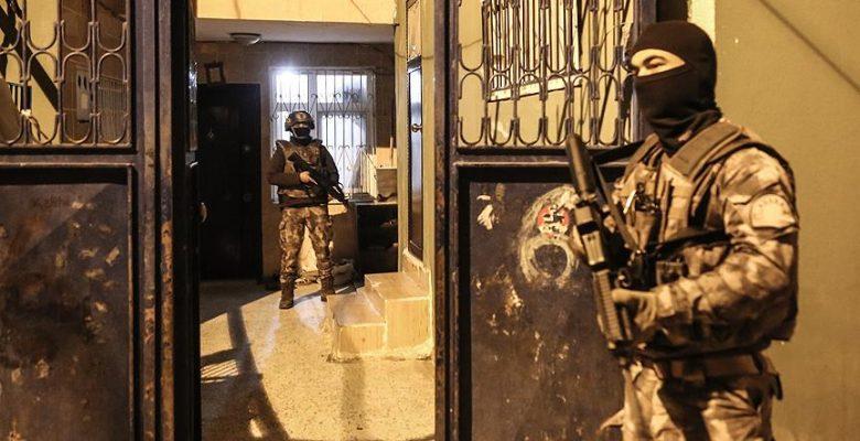 Adana'da terör örgütü PKK'ya şafak baskını: 24 gözaltı.