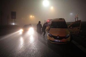 İstanbul'da yoğun sis kazalara neden oldu.