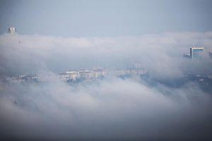 İstanbul'da sis nedeniyle deniz ulaşımı aksadı.