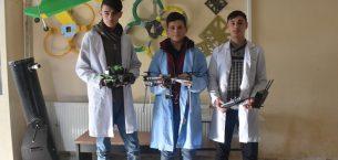 Teknoloji meraklısı öğrenciler drone yarışmasına hazırlanıyor.