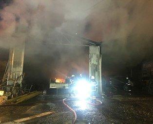 Kocaeli'de belediyeye ait depoda yangın.
