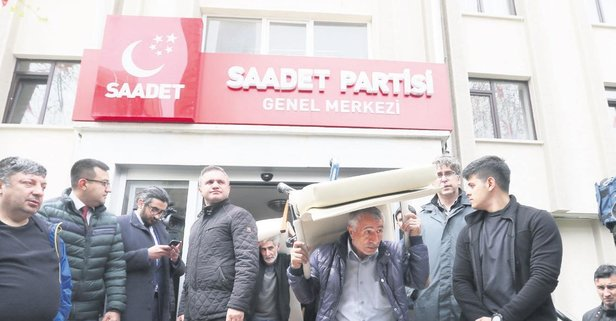 İcraatın içinden! Fatih Erbakan, Saadet Partisi Genel Merkezi'ni icraya verdi.