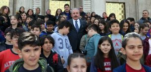 TBMM Başkanı Şentop Nevşehirli çocuklarla bir araya geldi.