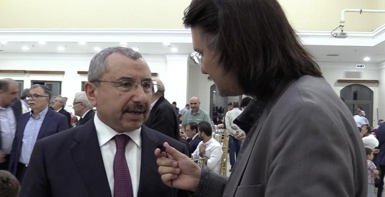Sivaslılar , İsmail ERDEM'e İftar Buluşmasında Sevgi Gösterisi..