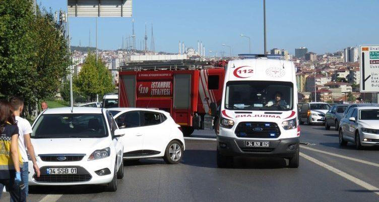 Ataşehir'de zincirleme trafik kazası..